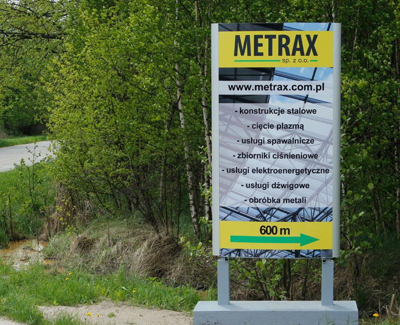 Totem reklamowy Metrax od studio efekt