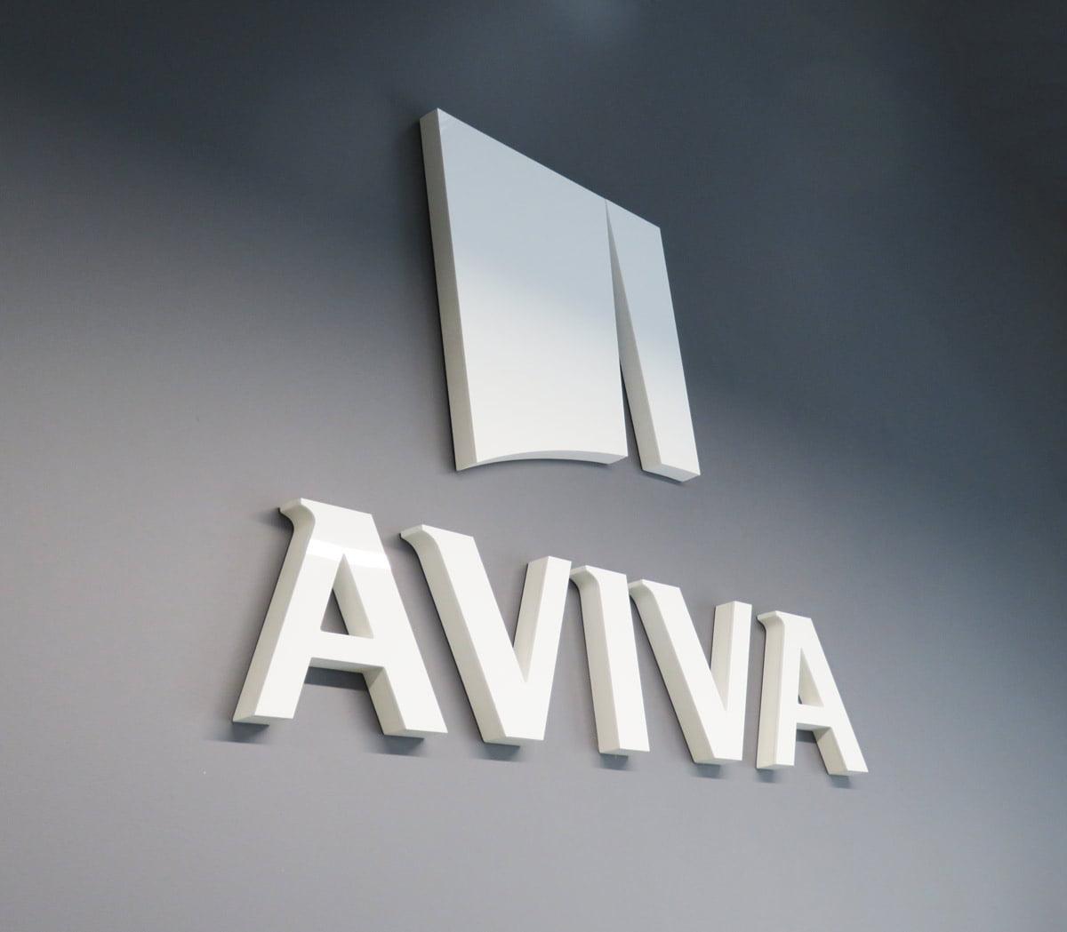 Litery przestrzenne ze styroduru na ścianę dla firmy AVIVA