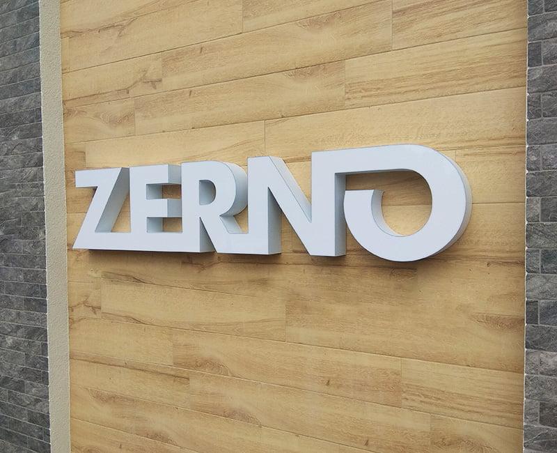 litery 3d świecące białe ZERNO do powieszenia na ścianie od Studio Efekt