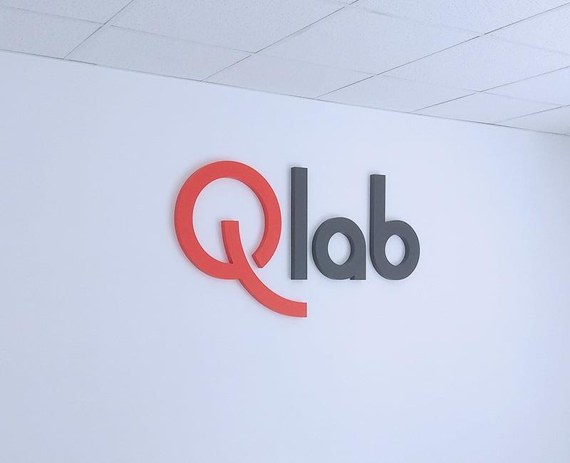 Logo przestrzenne na ścianę do firmy od Studio Efekt