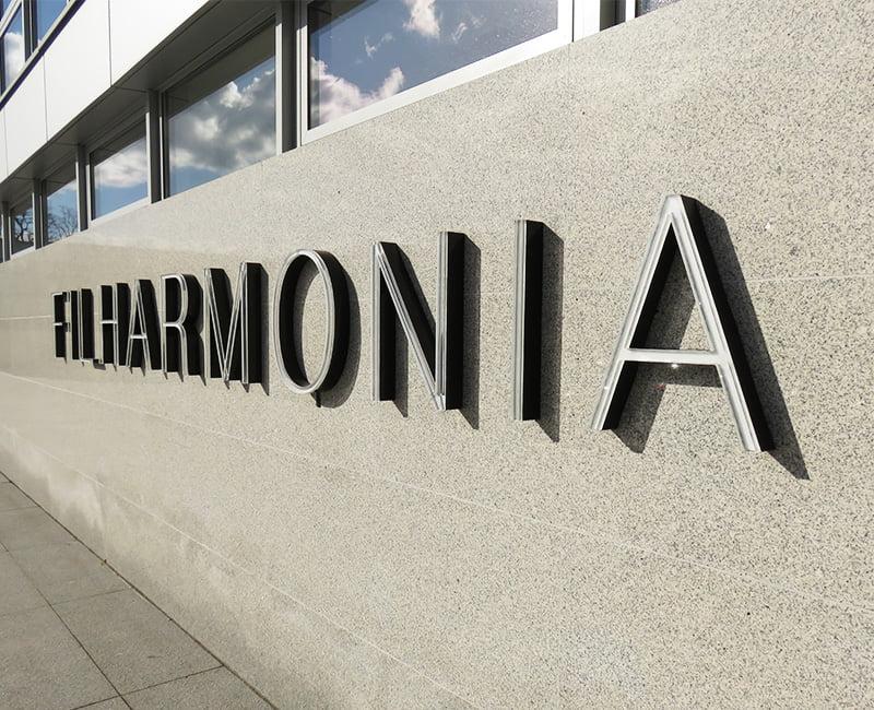 Litera 3D blokowa podświetlana do napisu filharmonia od Studio Efekt