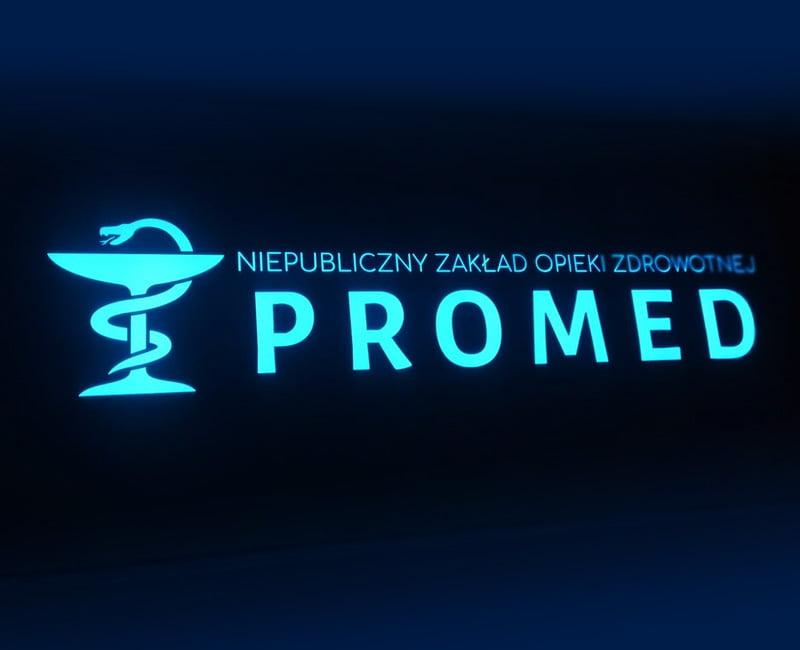 kaseton reklamowy z dibondu czarnego podświetlany na niebiesko