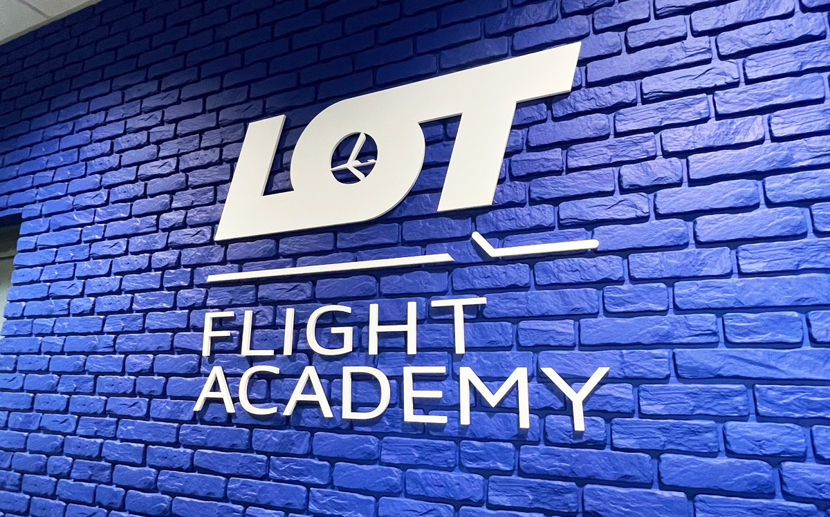 Logotyp 3D LOT - Reklama Efekt