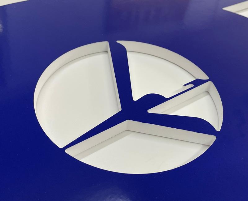 Logo przestrzenne 3D z pleksy LOT