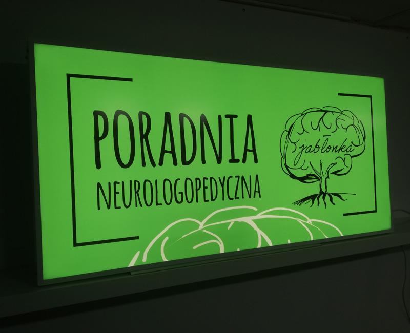 Kaseton reklamowy Poradnia neurologopedyczna w ramie aluminiowej podświetlany