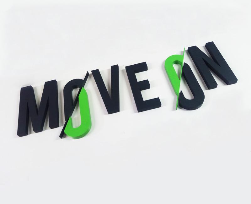 Logo 3D przestrzenne Move On os Studio Efekt
