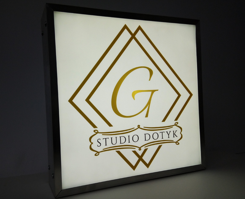 Kaseton reklamowy w ramie aluminiowej Studio Dotyk od Studio Efekt
